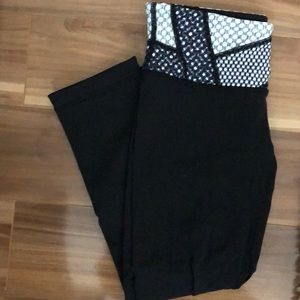 Lululemon cropped black leggings worn once